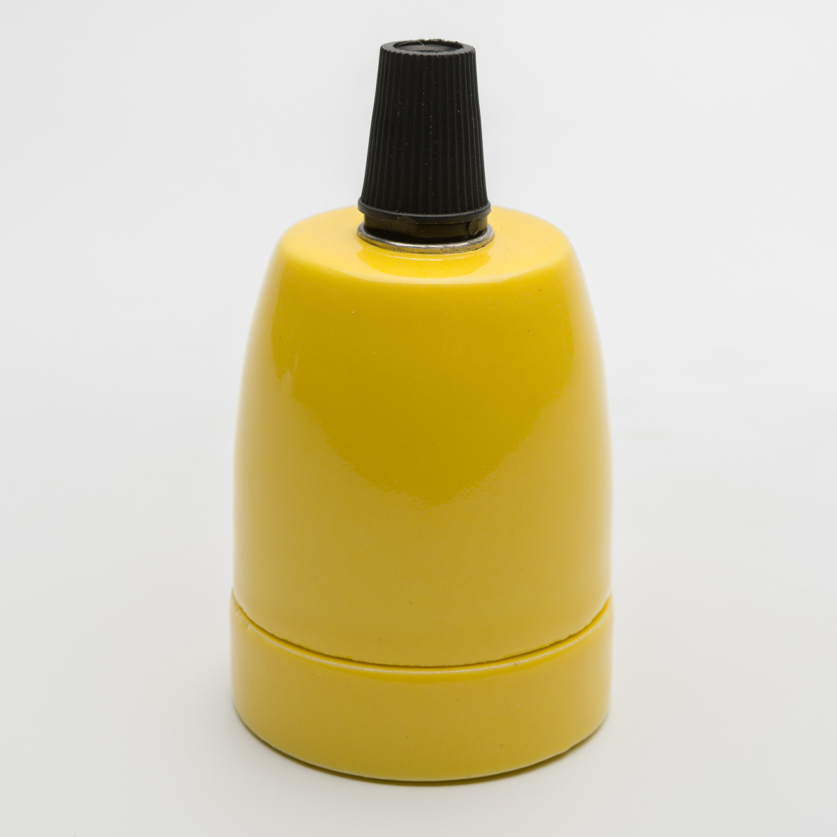 Патрон керамический желтый